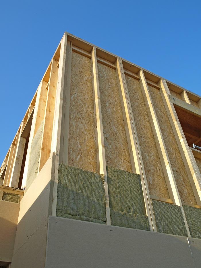 Détail d'isolation d'une maison en bois